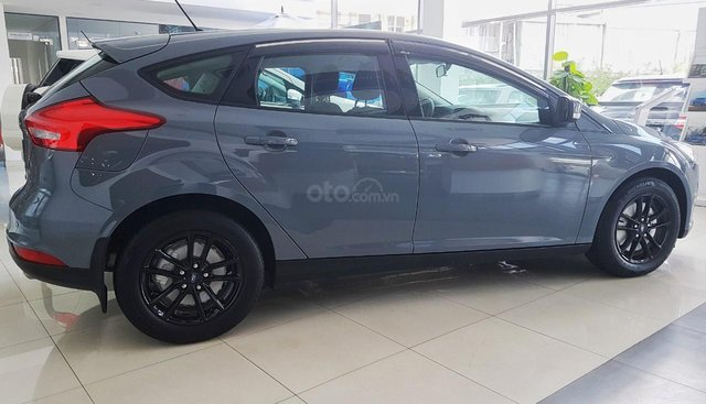 Bán Ford Focus Trend 1.5L Ecoboost giá tốt tháng 8 mưa ngâu