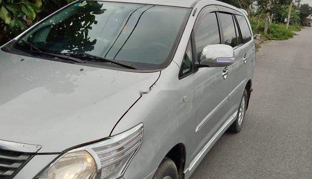 Bán Toyota Innova 2013, màu bạc, chính chủ