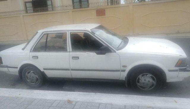 Bán Nissan Bluebird đời 1986, màu trắng, nhập khẩu
