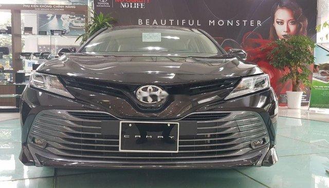 Bán Toyota Camry năm sản xuất 2019, màu đen