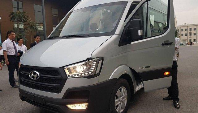 Bán Hyundai Solati năm 2019, màu bạc, giá 980tr