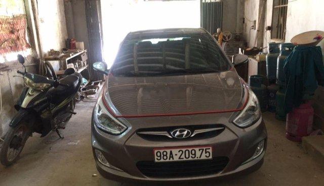 Bán Hyundai Accent đời 2014, màu xám chính chủ, 350tr