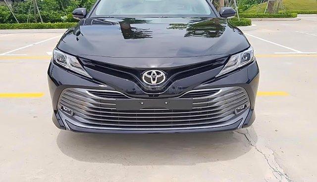 Bán Toyota Camry 2.5Q năm 2019, màu đen, xe nhập