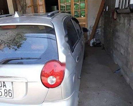 Cần bán xe Chevrolet Spark đời 2010, màu bạc, giá 98tr