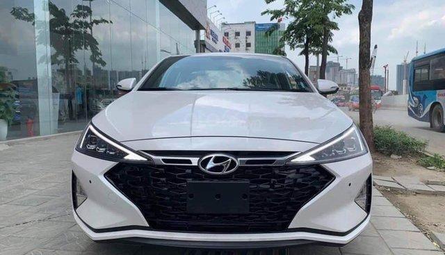 Bán Hyundai Elantra 1.6 AT Sport đời 2019, màu trắng