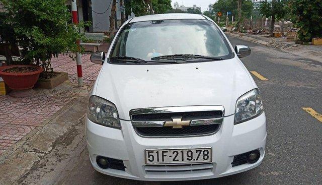 Chính chủ bán Chevrolet Aveo năm sản xuất 2013, số sàn, BSTP