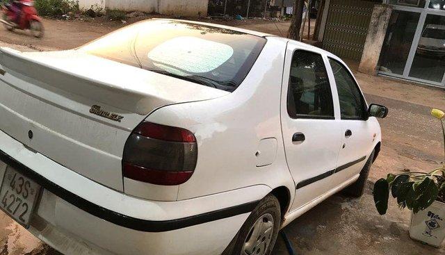 Bán xe Fiat Siena năm 2002, màu trắng, xe rất tiết kiệm nhiên liệu 100km chỉ 6L