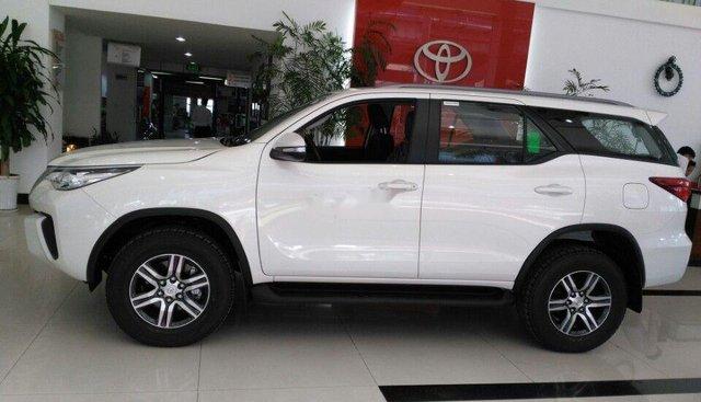 Cần bán Toyota Fortuner năm 2019, màu trắng