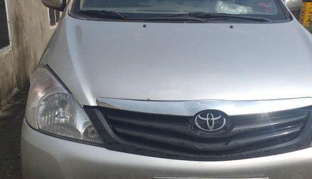 Bán Toyota Innova sản xuất 2008, màu bạc, nhập khẩu nguyên chiếc, xe đẹp