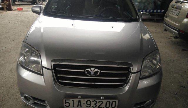 Cần bán gấp Daewoo Gentra năm sản xuất 2010, màu bạc