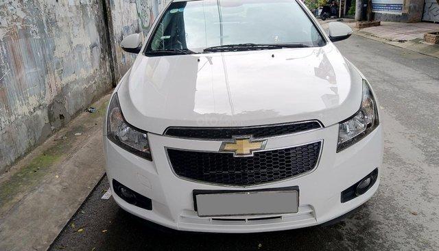 Bán xe Chevrolet Cruze 2016 màu trắng, số sàn