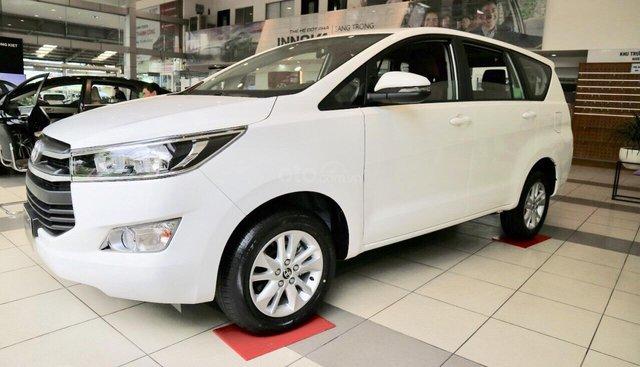 0932.756.183 Toyota Innova 2.0E - số sàn 2019 - giảm giá siêu tốt - khuyến mãi sốc