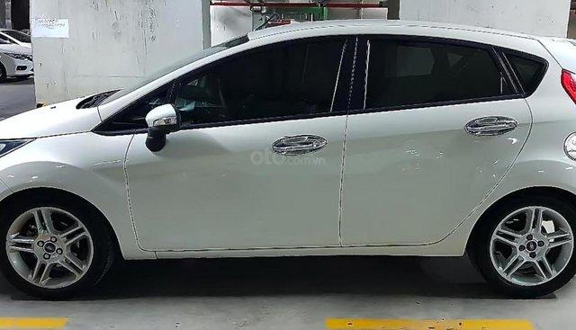 Bán Ford Mondeo sản xuất năm 2011, màu trắng, nhập khẩu nguyên chiếc, giá tốt
