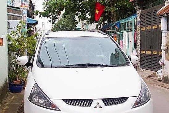 Cần bán gấp Mitsubishi Grandis sản xuất năm 2005, màu trắng xe gia đình