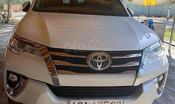 Cần bán xe Toyota Fortuner đời 2019, màu trắng, nhập khẩu nguyên chiếc