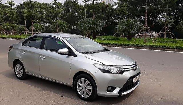 Xe Toyota Vios sản xuất năm 2015, màu bạc số tự động