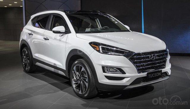 Hyundai Tucson - giá rẻ, xe có sẵn giao ngay, LH Hoài Bảo 0911.64.00.88