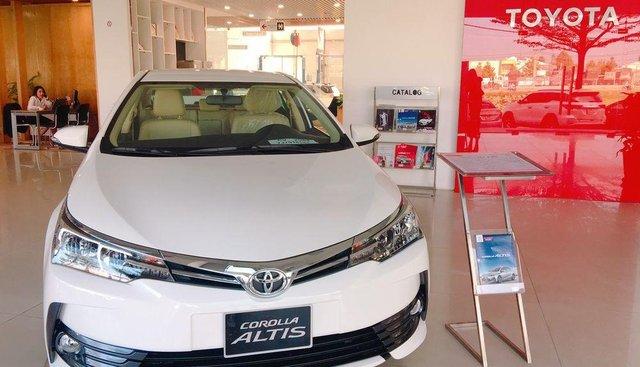 Bán Toyota Corolla Altis 2019, màu trắng, giá chỉ 761 triệu