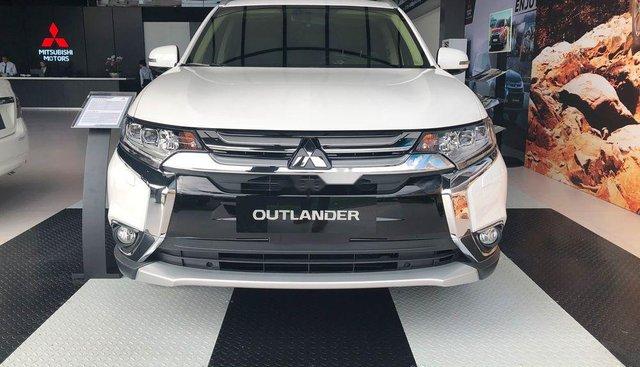 Bán Mitsubishi Outlander sản xuất 2019, màu trắng, giá tốt
