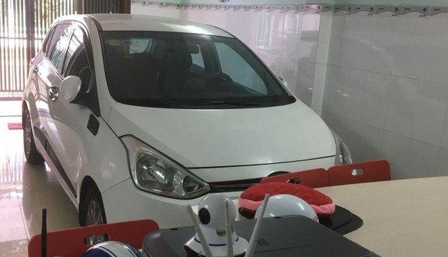 Bán Hyundai Grand i10 năm 2016, màu trắng, xe nhập