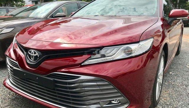 Bán Toyota Camry năm sản xuất 2019, màu đỏ, nhập khẩu nguyên chiếc