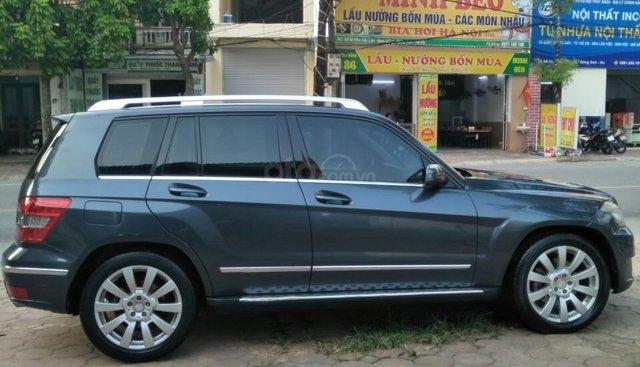 Bán Mercedes-Benz GLK 300 SX 2010, số tự động, chính chủ, xe đi ít lên còn rất đẹp và mới 95%