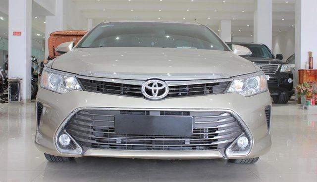 Mình cần bán 1 xe Toyota Camry 2.5Q SX2016 giá sinh viên