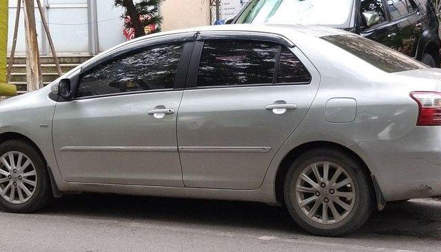 Chính chủ bán xe Toyota Vios đời 2011, màu bạc