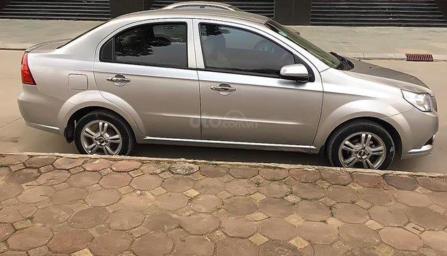 Bán ô tô Chevrolet Aveo sản xuất 2015, màu bạc
