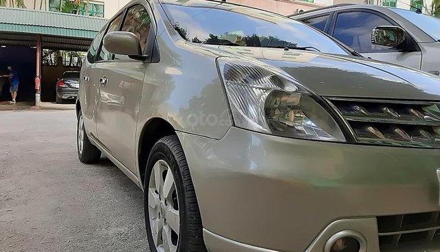 Bán Nissan Grand livina sản xuất năm 2011, xe nhập