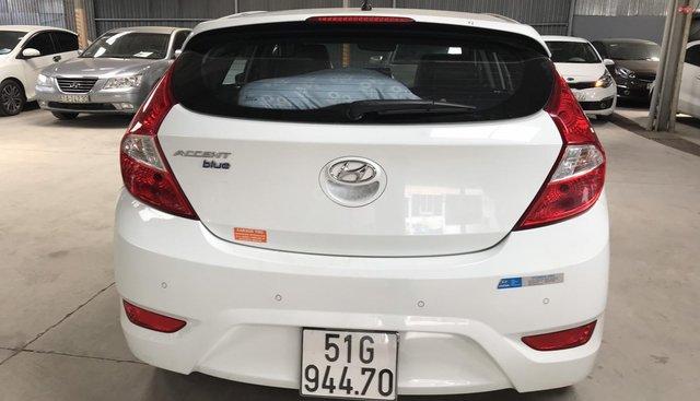 Bán Hyundai Accent Blue HB 1.4AT màu trắng, số tự động, nhập Hàn Quốc 2015, biển Sài Gòn