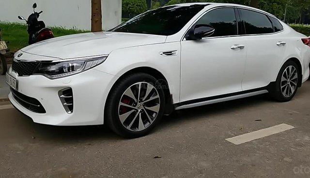 Cần bán lại xe Kia K5 2.4 2017, màu trắng