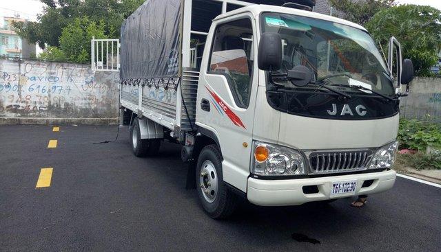 Bán xe tải JAC 2T4 thùng 4m3, máy Isuzu 2019 rẻ 60tr nhận xe
