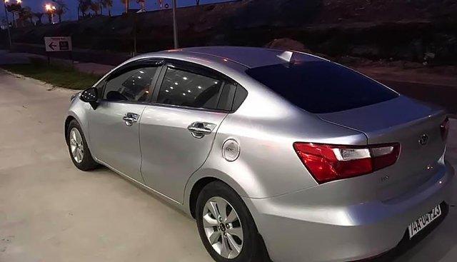 Bán xe Kia Rio 1.4 MT sản xuất 2015, màu bạc, nhập khẩu nguyên chiếc còn mới, 400 triệu