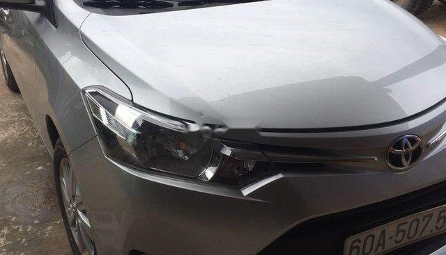 Cần bán gấp Toyota Vios đời 2018, màu bạc
