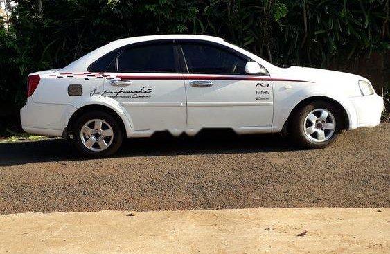 Cần bán xe Daewoo Lacetti sản xuất năm 2011, màu trắng, xe nhập chính chủ