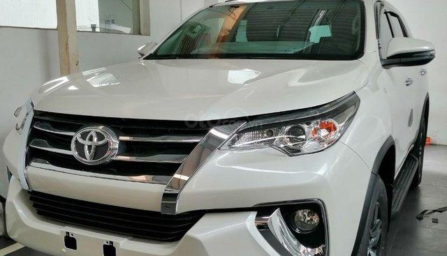Bán Toyota Fortuner số tự động 2019 giao ngay