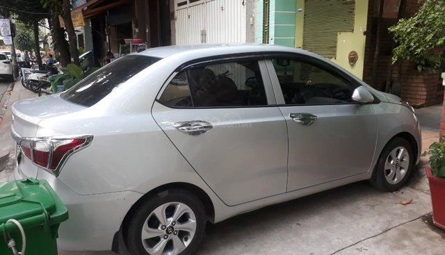 Bán Hyundai Grand i10 1.2MT sedan màu bạc, số sàn, bản đủ, sản xuất 2018 đi 17000km