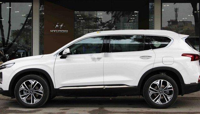 Cần bán lại xe Hyundai Santa Fe năm sản xuất 2019, màu trắng