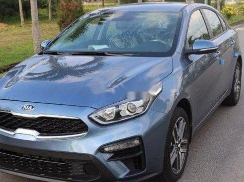 Bán Kia Cerato sản xuất 2019, màu xanh lam, xe nhập, 635tr