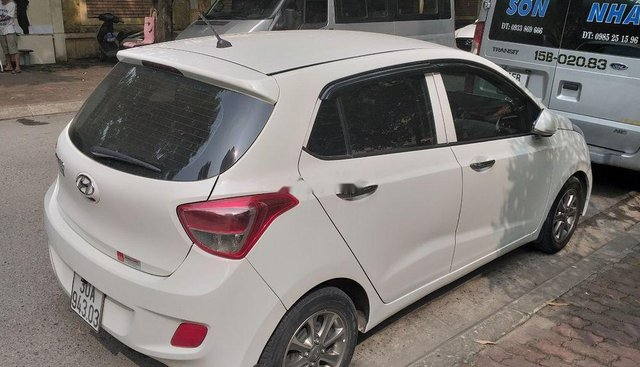 Bán Hyundai Grand i10 đời 2015, màu trắng