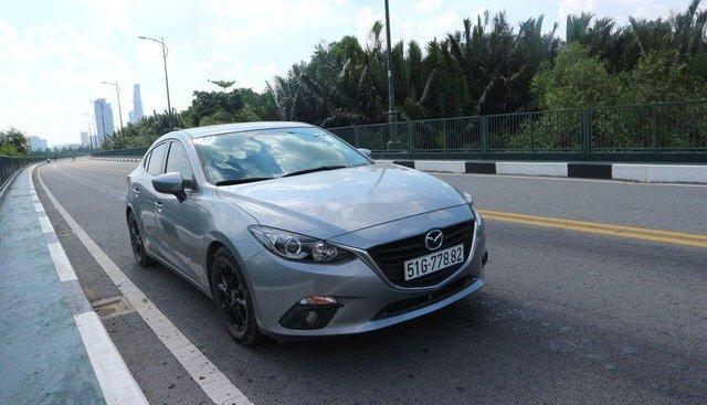 Cần bán xe Mazda 3 đời 2016, màu bạc
