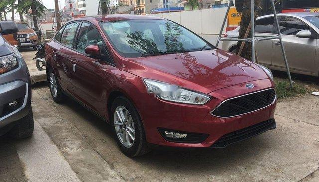 Bán Ford Focus 2019, màu đỏ