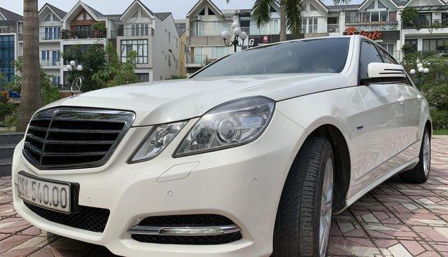 Bán xe Mercedes E250 năm 2011, màu trắng
