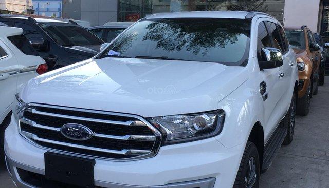 Ford Everest Titanium Bi-Turbo, 2 cầu tự động, nhập khẩu Thái Lan, giá niêm yết 1 tỷ 399tr