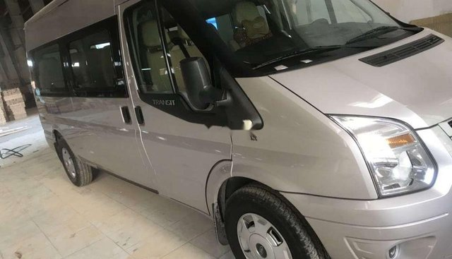 Cần bán xe Ford Transit năm sản xuất 2018, màu bạc