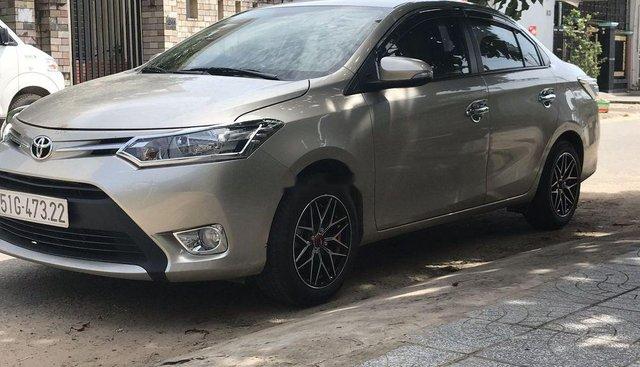 Bán lại xe Toyota Vios đời 2017, màu bạc, xe gia đình