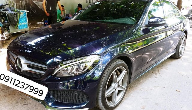Cần bán xe Mercedes C300 AMG đký 2017 màu Xanh Cavansite cực hot