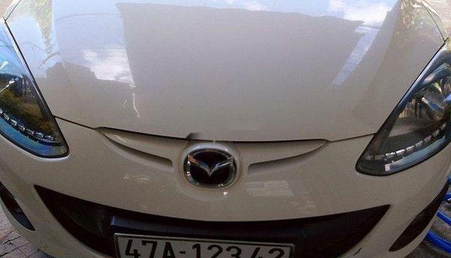 Bán Mazda 2 S 2014, màu trắng, xe gia đình
