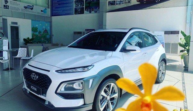 Bán xe Hyundai Kona 2019, màu trắng